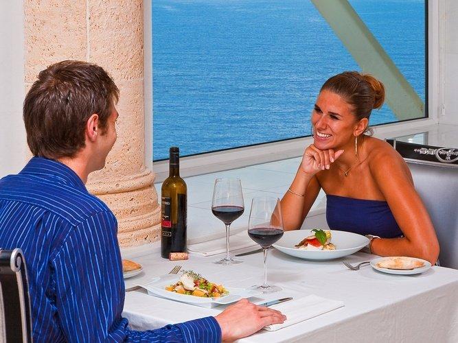 Ресторан llum del mar Отель villa venecia boutique бенидорме